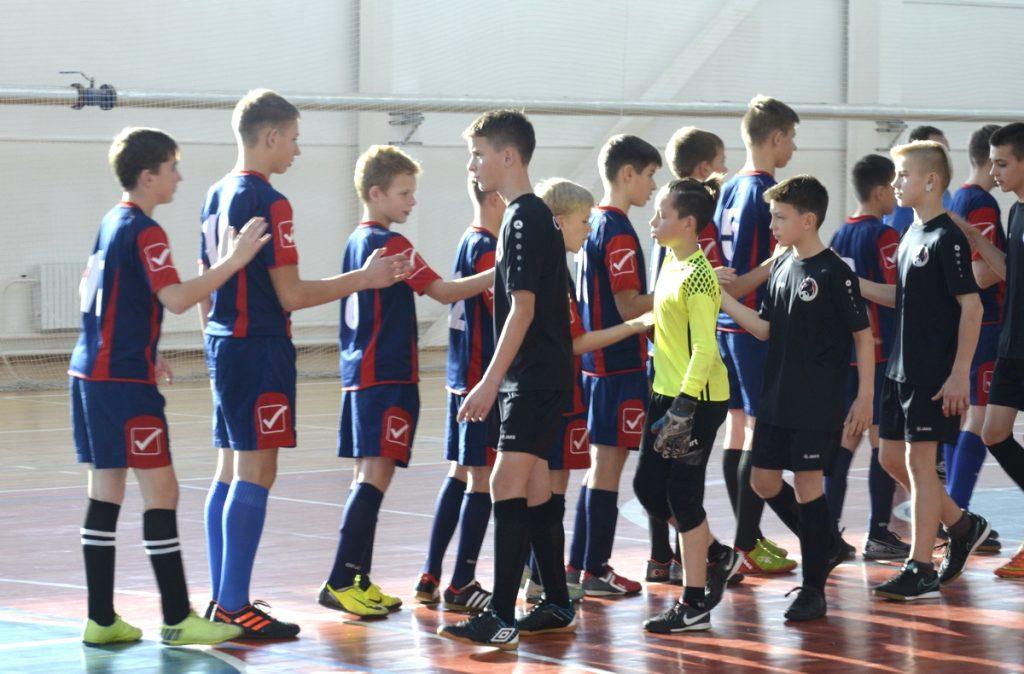 Турнір па міні-футболе прайшоў у Мядзеле (фота)