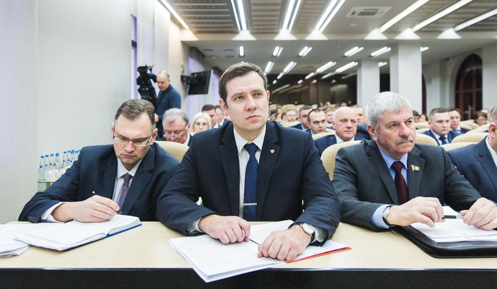 На уровне доходов граждан заострил внимание АлександрТурчин