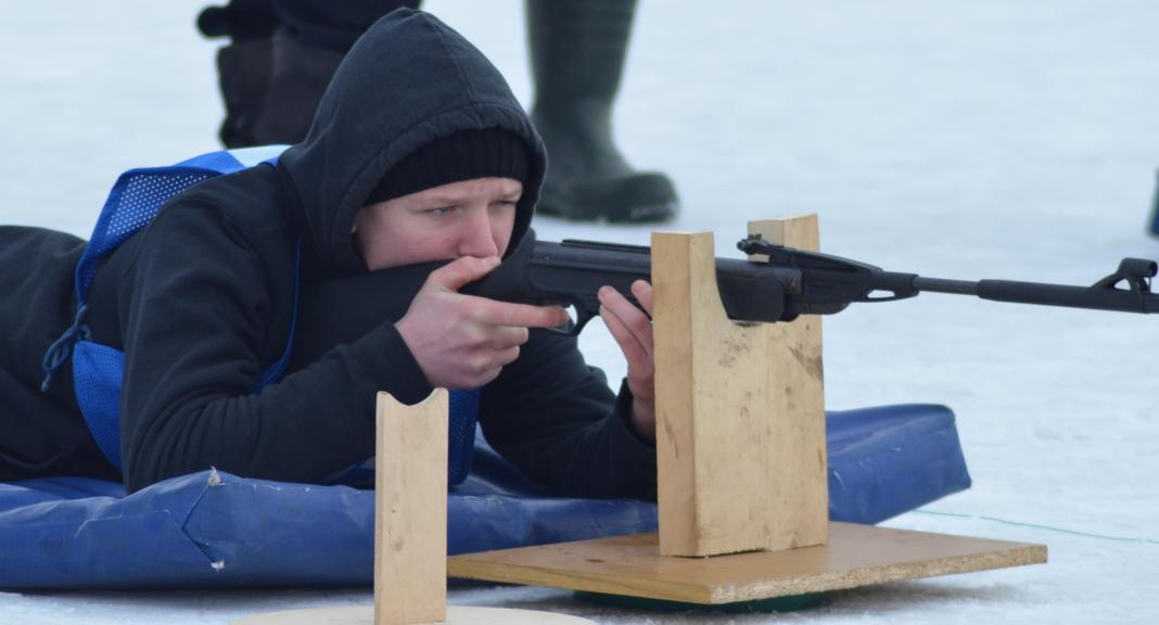 У Мядзеле прайшоў раённы этап спаборніцтваў «Снежны снайпер» (фота)