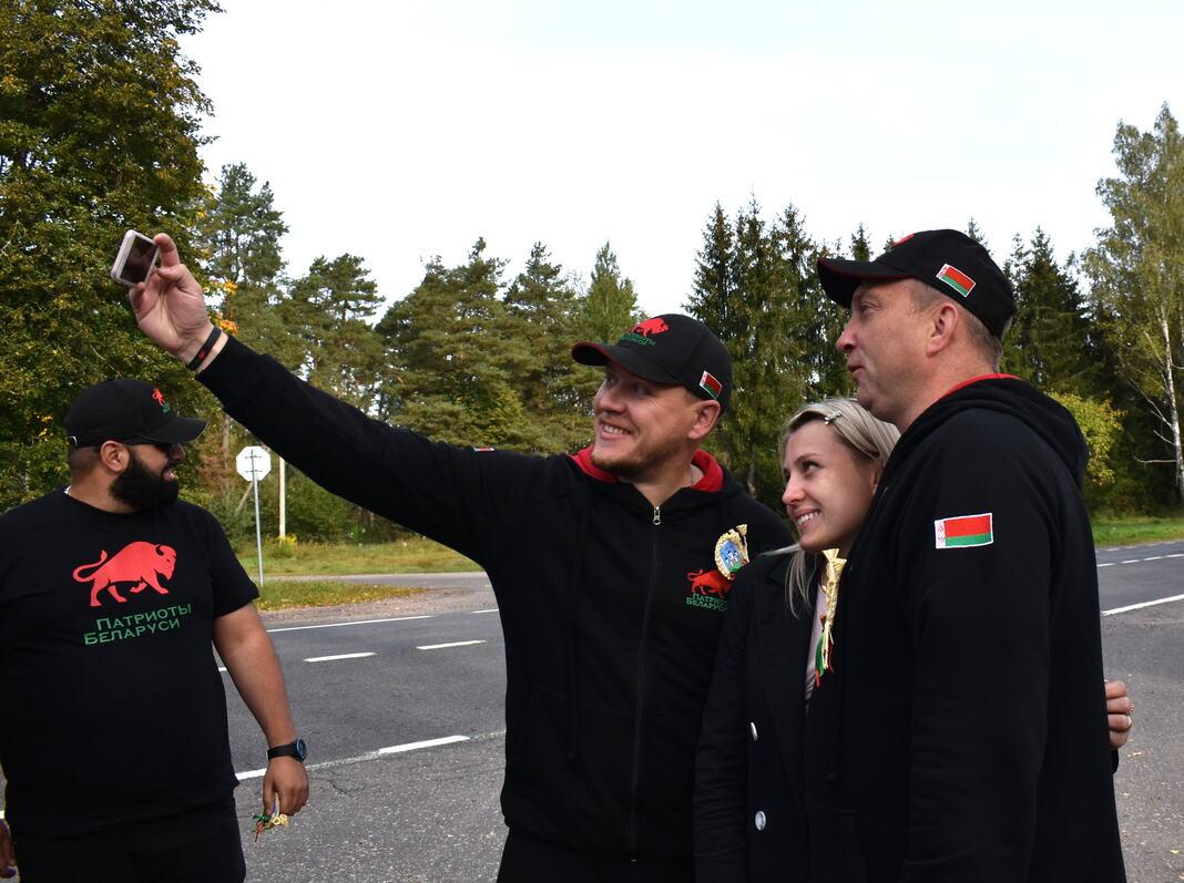 Участников республиканского автопробега «Символ единства» встречали на Мядельщине (фото)