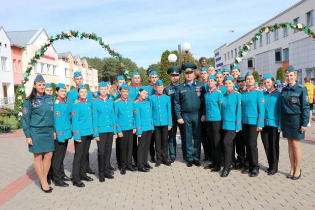 В «Зубренке» открылся Республиканский слет юных спасателей-пожарных
